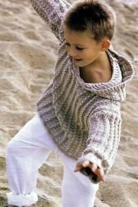 Светло-бежевый детский пуловер с капюшоном